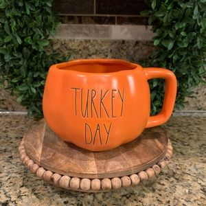 Rae Dunn Turkey Day Mug